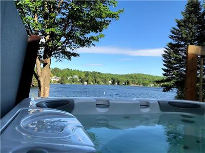 COTTAGE RENDEZ-VOUS-ON-THE-LAKE