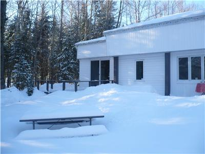 COTTAGE  (BEAUPRÉ - MONT STE-ANNE ET MASSIF) SPECIAL PRICE FOR FEBRUARY