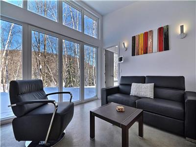 Bel Air Tremblant. 8 min from ski resort, spa, ziplines, dog sledding, bistro and more onsite