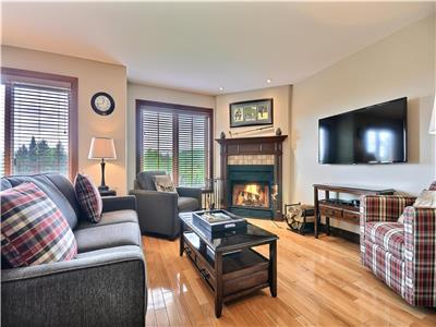 Perfect for 2 families - Beautiful Mont Tremblant Vacation Home