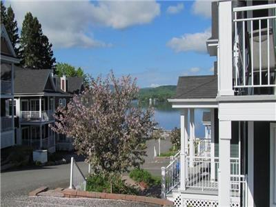 Special for long term/ Condo, Archambault lake, St-Donat, with marina and beach