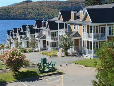 **Beautiful Condos Lakeshore Archambault, St-Donat