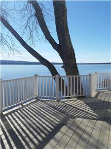 Stunning Lakeside Vues Brome Lake 1 month +