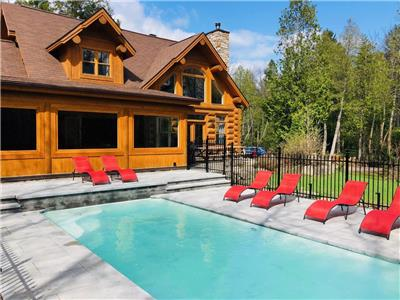 Chalet Silver Fox Spa (Fiddler Lake)