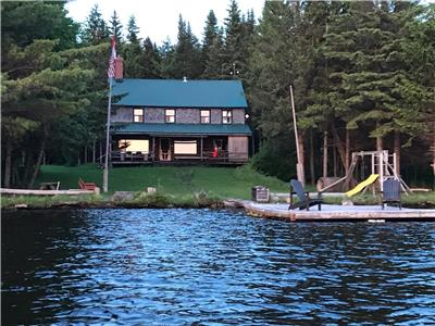 Secluded Log home on private lake.