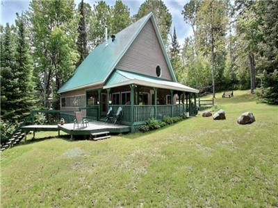 Beautiful Hilltop cottage on private 2 acre lot