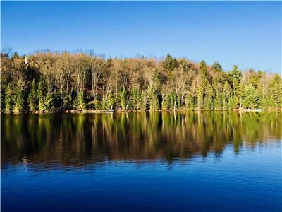 CHALET WITH PRIVATE ACCESS TO LAKE FIDDLER (LAURENTIDES)