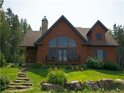 Morin Heights, Saint-Sauveur, Beautiful Private Cottage, Ski, Golf Course, Pool