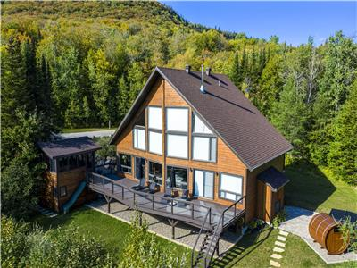 Luxury Chalet on Lake, Saint-Donat