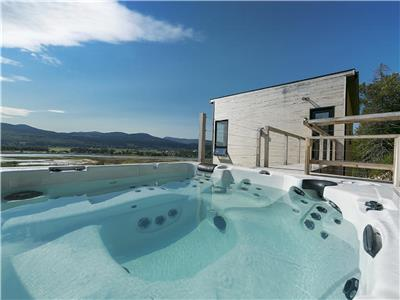 Hotel at home - Panache:  Panormaic view, spa and River!