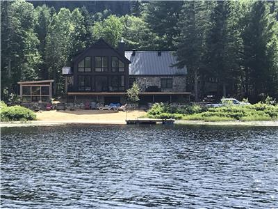 Le Lake house au bord du lac Sainte-Rose