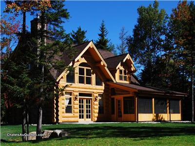 Fiddler Lake Resort: 50 chalets rentals / Bear