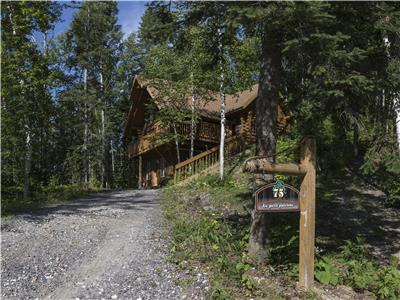 Magnificent log chalet for rent in Lac-Saint-Jean !